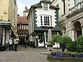 Crooked House of Windsor - geograph.org.uk - 1317747.jpg