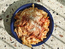 Un piatto di crusìcchi, cavatelli tipici della cucina di Caggiano.