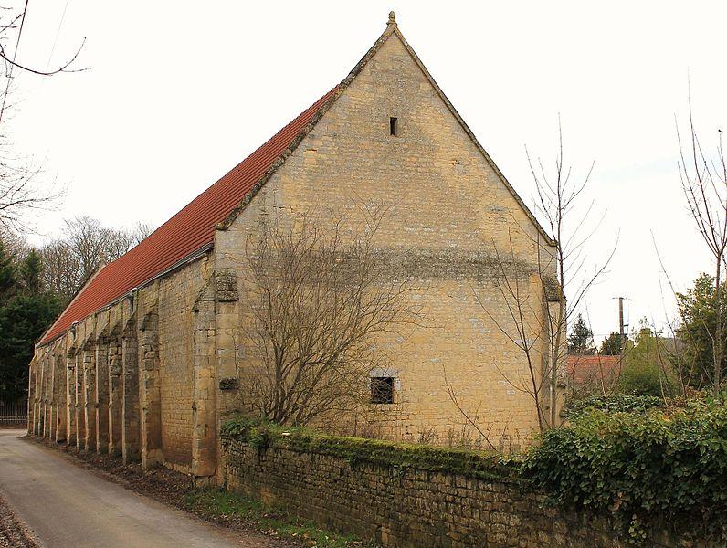 Manoir de Cully, la grange avec contreforts (Calvados)