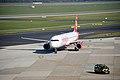 Düsseldorf, Flughafen, D-ALSD, 2011-10 CN-02.jpg