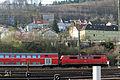 DB BR111 mit Dostos im Bahnhof Treuchtlingen (13516176923).jpg