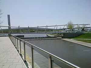 The Yards (Washington, D.C.) - Image: DC Yards park and bridge 2