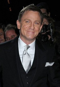 Craig at the Quantum of Solace film premiere in New York in November 2008 Daniel Craig at a film premiere in New York.jpg