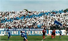 La tifoseria del Matera nel derby lucano contro il Potenza nel campionato di Serie D 2001/2002