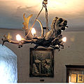 Die Räume der Dichterin Annette von Droste auf der Meersburg. Lüster im Vitrinenzimmer.jpg