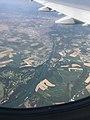 Disjonction canal de Miribel - canal de Jonage depuis le ciel.JPG