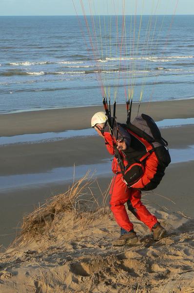 File:Dune Soaring Paraglider.png