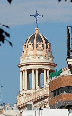 Edificio La Adriática (Madrid) 07.jpg