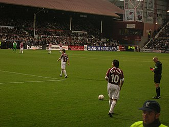 Edinburgh derby - Paul Hartley prepares to take a free kick in an SPL derby match played on Boxing Day 2006.