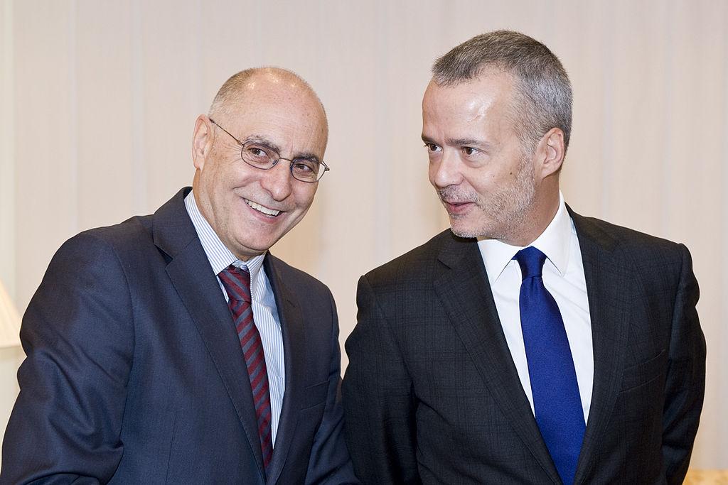 File encuentro del lehendakari con el ministro del for Escuchas del ministro del interior