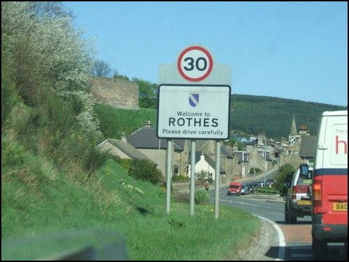 Entering Rothes from the south, with the Castle in the background