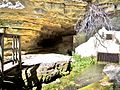 Entrée de la grotte de la source du Val.jpg