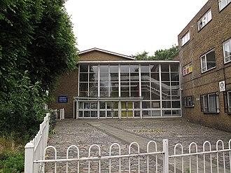 Lansbury Lawrence School - Entrance to Lansbury Lawrencee School