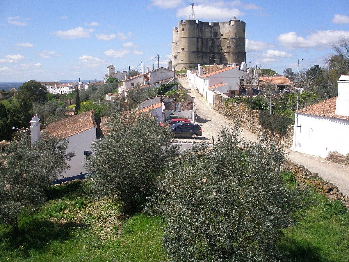 Castle of Evoramonte - Wikipedia