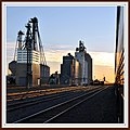Farmers Elevator at Rugby North Dakota from Westbound Empire Builder September 2010 - panoramio.jpg
