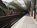 Farringdon station Thameslink platforms look south2.JPG