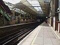 Farringdon station Thameslink platforms look south2.JPG