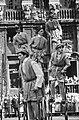 Folkloristische optocht op de Markt voor het stadhuis, Bestanddeelnr 911-2957.jpg