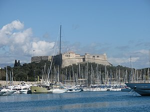 Fort Carré - Image: Fort carré and port of Antibes