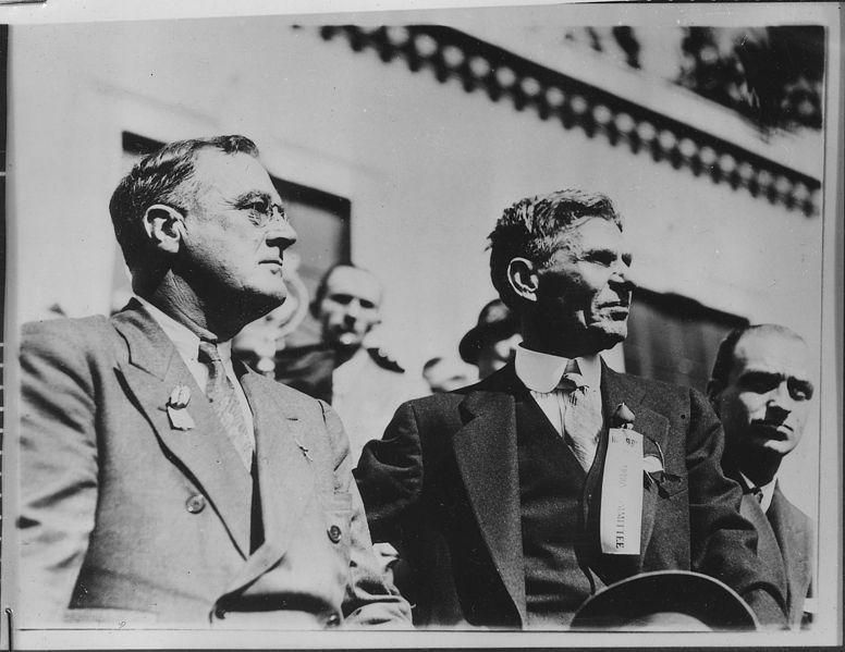 File:Franklin D. Roosevelt and someone else in Atlanta, Georgia - NARA - 197043.jpg
