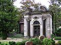 Friedhof Schmargendorf - Mausoleum Zimmermann.jpg