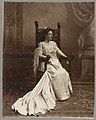 Full length portrait of Mrs. Edith Kermit Carow Roosevelt seated, facing right LCCN2013649482.jpg
