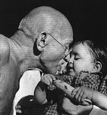 Gandhi and child.jpg