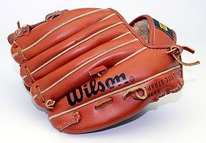 Gant de baseball Wilson 3.jpg