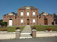 Ganzeville (Seine-Mar.) mairie-école.jpg