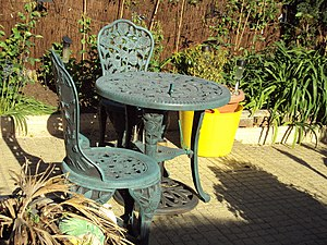 Garden design - Garden chairs and table