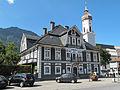 Garmisch, Sankt Martin Kirche met apotheek 2012-08-15 15.20.jpg