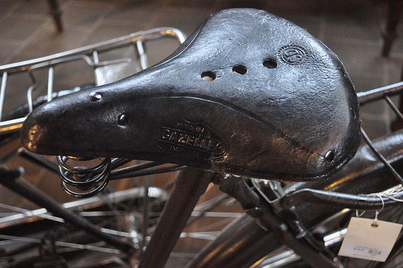 File:Gazelle bicycle seat.jpg