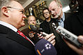 Goran Persson, Sveriges statsminister, talar med media.jpg