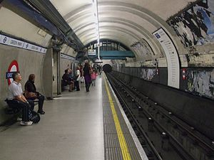 Green Park tube station - Remains of the original tiling on the Eastbound Piccadilly line platform