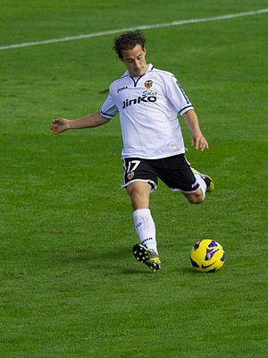 Andrés Guardado - Guardado taking a shot for Valencia in 2012
