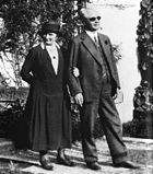 Gustaf Dalén and his wife Elma, outside Villa Ekbacken, 1937.