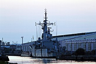 Vittoria Dock - Image: HMS Plymouth, Vittoria Dock, Birkenhead (geograph 2961430)