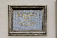 Gedenktafel am Geburtshaus Gellertplatz 5 in Hainichen (Quelle: Wikimedia)