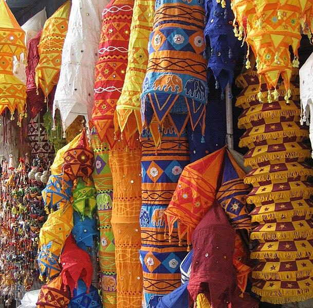 Handicrafts shopping in Pushkar