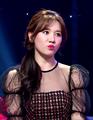 Hari Won on the show Hành Lý Tình Yêu 2020.png