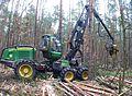 Harvester John Deere 1170E.JPG