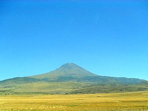 State road D.750 (Turkey) - View of the volcano Hasandağı from the D750 state road, south of Aksaray.