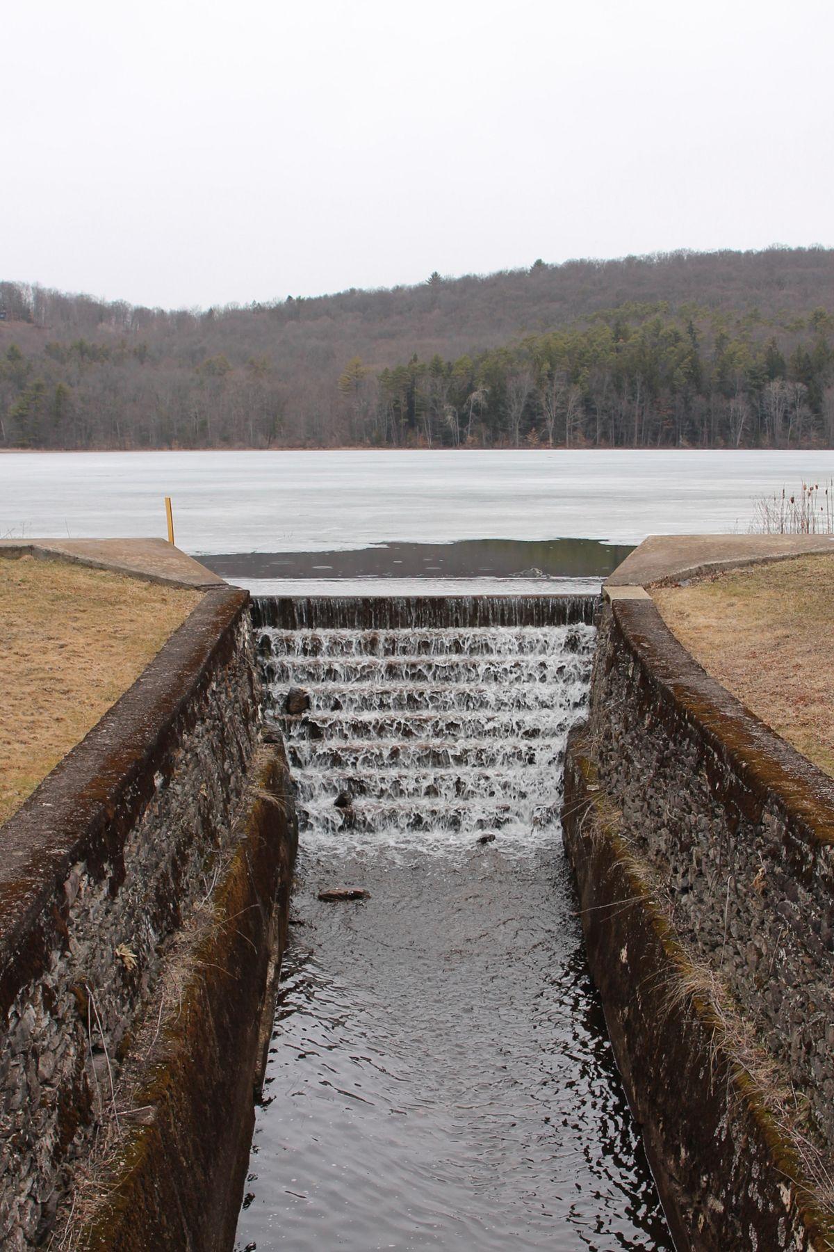 Roaring Brook (Hunlock Creek tributary) - Wikipedia