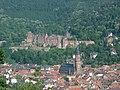 Heidelberger Schloss mit Heiliggeistkirche.jpg