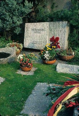 Collina d'Oro - Hermann Hesse's Grave in Montagnola