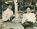 Hilda Ridderstedt & Anna Korn c 1909.jpg