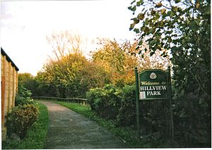 Ruscote - One of the entrances to Banbury's Hillview park in 2010
