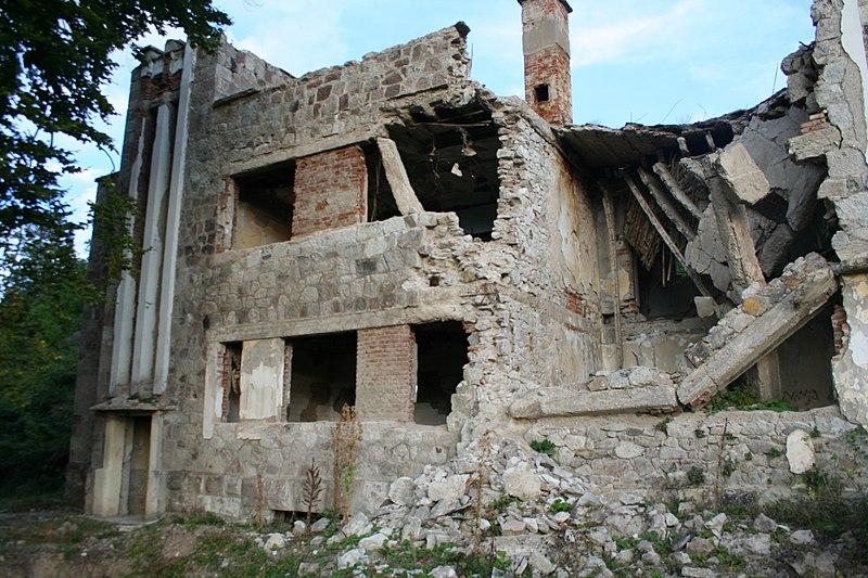 File:Hoteli Tito - Ambienure.JPG