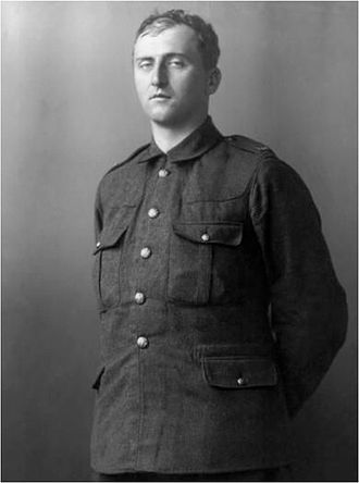 T. E. Hulme - Lieut. T. E. Hulme in uniform