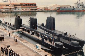 Oberon-class submarine - Oberon-class submarines Hyatt and O'Brien docked together with the submarine Simpson